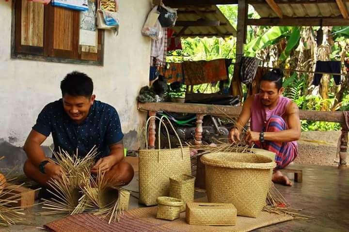 Herstellung unserer Wanthai-Korbwaren in Thailand