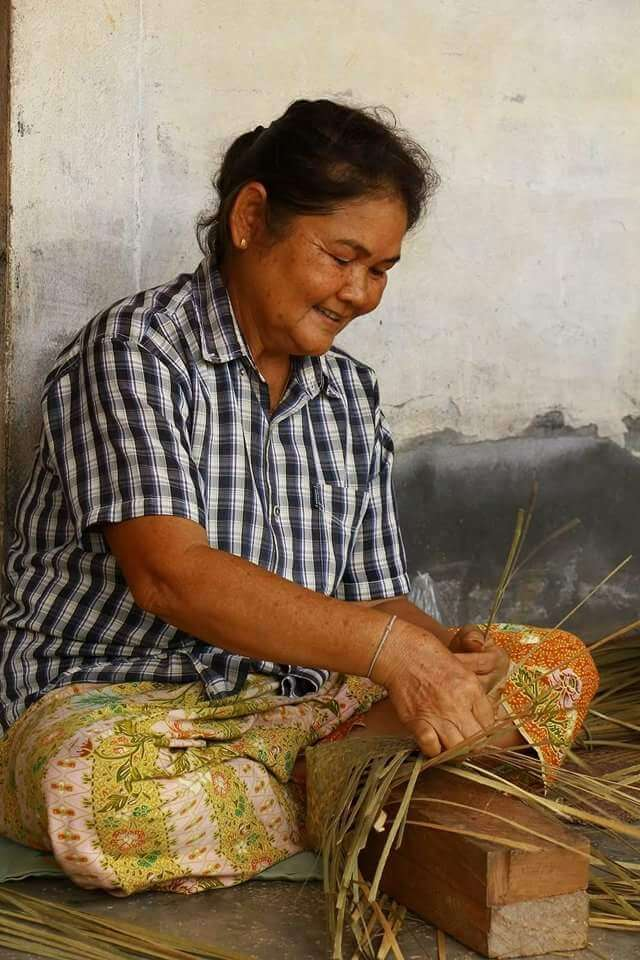 Manufacture of our Wanthai-basketry in Thailand