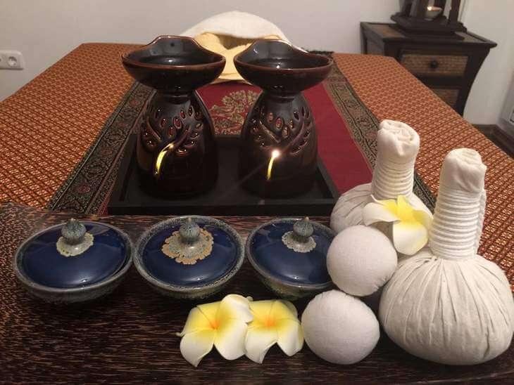 Massageliege und Raumausstattung für Thaimassagen - Pareena-Spa in Bad Wörishofen